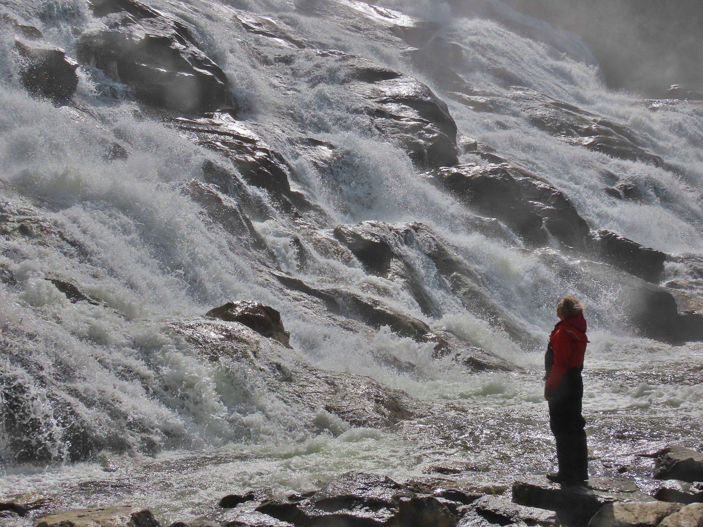 The stupendous flow of Furebergsfossen